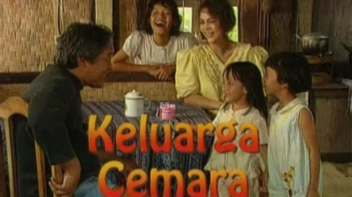 Poster sinetron keluarga cemara (news.baca.co.id)
