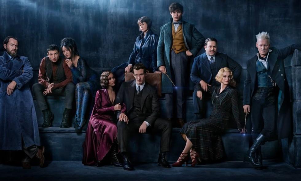 Johnny Depp muncul sebagai penyihir di film Fantastic Beasts