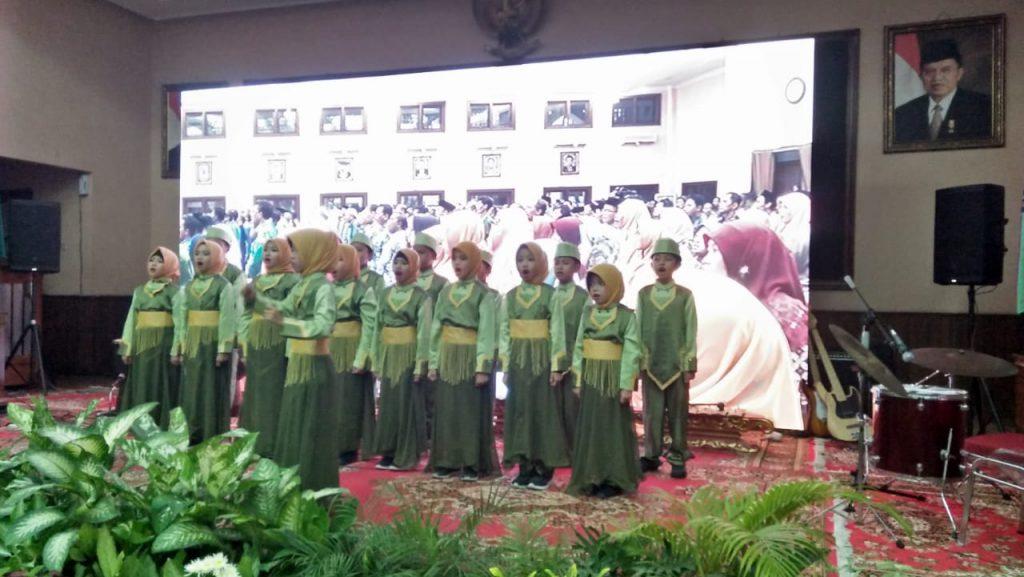 Siswa SD Muh 1 Meriahkan Rembug Nasional