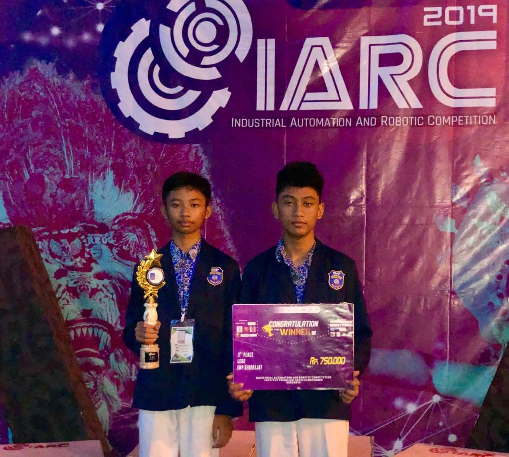 Siswa SMP Muhammadiyah PK Solo Juarai Lomba Robotik Tingkat Nasional