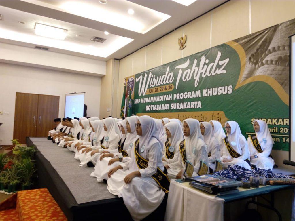 SMP Muhammadiyah PK Solo Gelar Wisuda Tahfidz