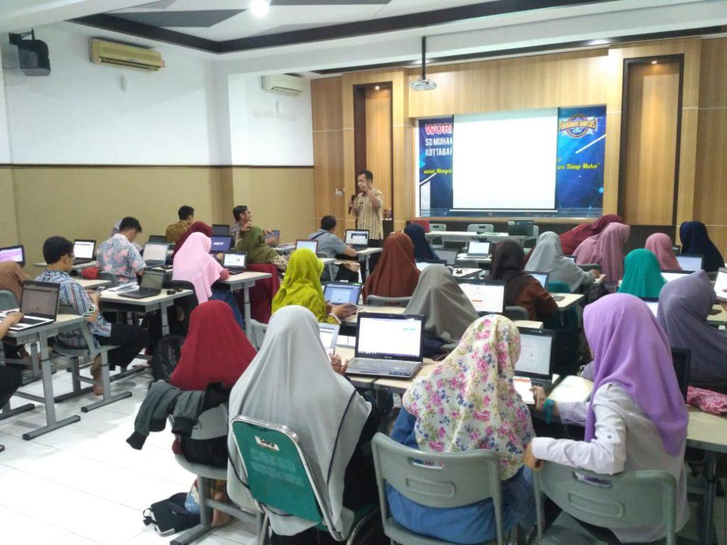 SD Muhammadiyah PK Kottabarat Solo Membangun Kelompok Belajar Melalui Video Conference