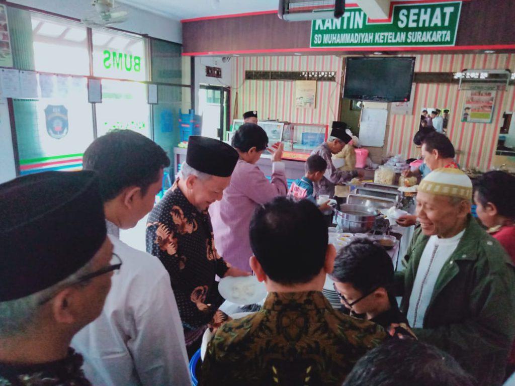 Kantin Sehat SD Muhammadiyah 1 Solo Raih Sertifikat Laik Hygiene Sanitasi dan Jasa Boga dari Dinkes