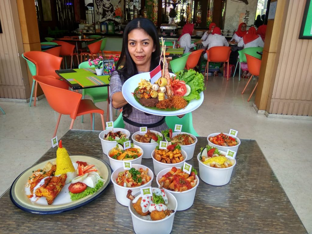 Aneka Hidangan Merah Putih Warnai HUT RI di Novotel & ibis Styles Solo