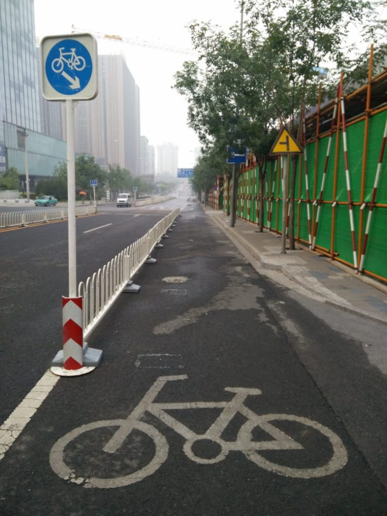 Membuat Jalur Sepeda Berkeselamatan
