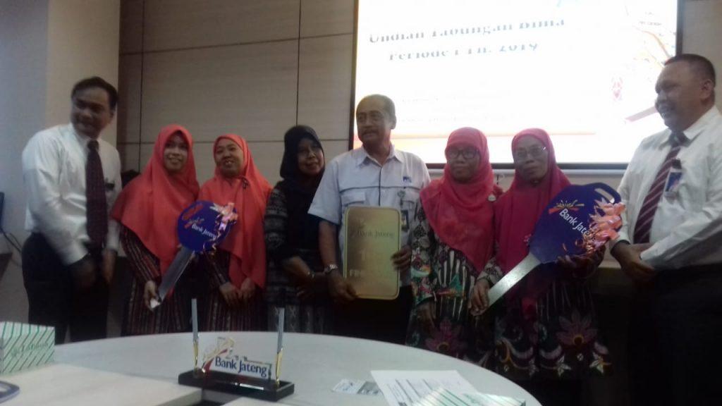 SD Muhammadiyah 1 Ketelan raih Hadiah Yamaha N-Max dari Bank Jateng