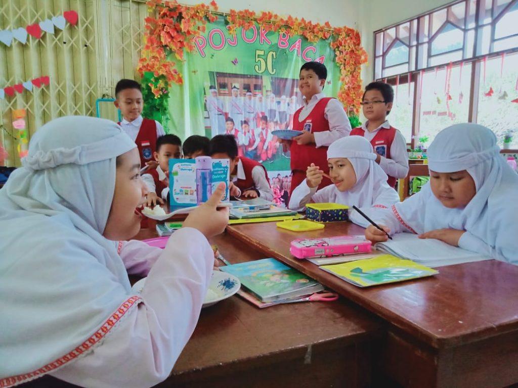Ajarkan dan Ciptakan Persahabatan Melalui Makan Siang Bersama di Sekolah