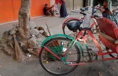 Peduli Dhuafa, SD Muhammadiyah 1 Solo Berbagi Nasi Bungkus di Jumat Berkah