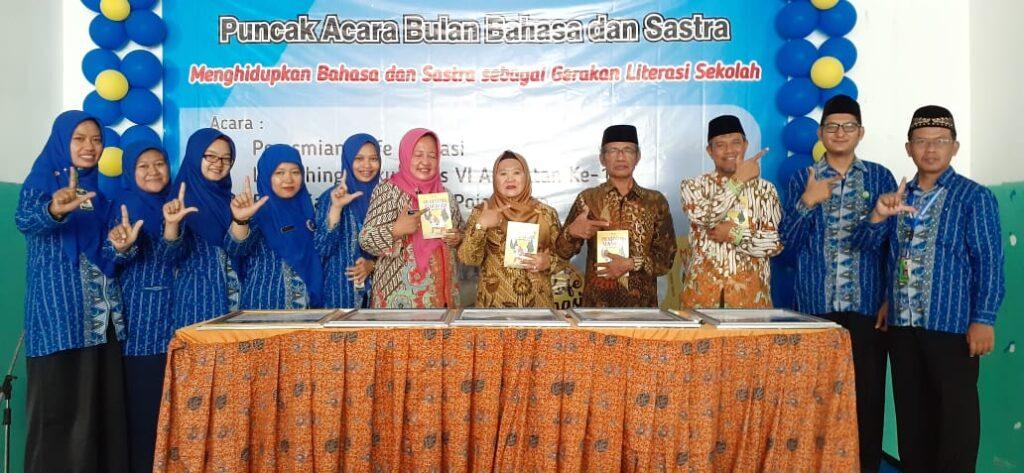 Peresmian Kafe Literasi Tandai Puncak Bulan Bahasa SD Muhammadiyah PK Kottabarat Solo
