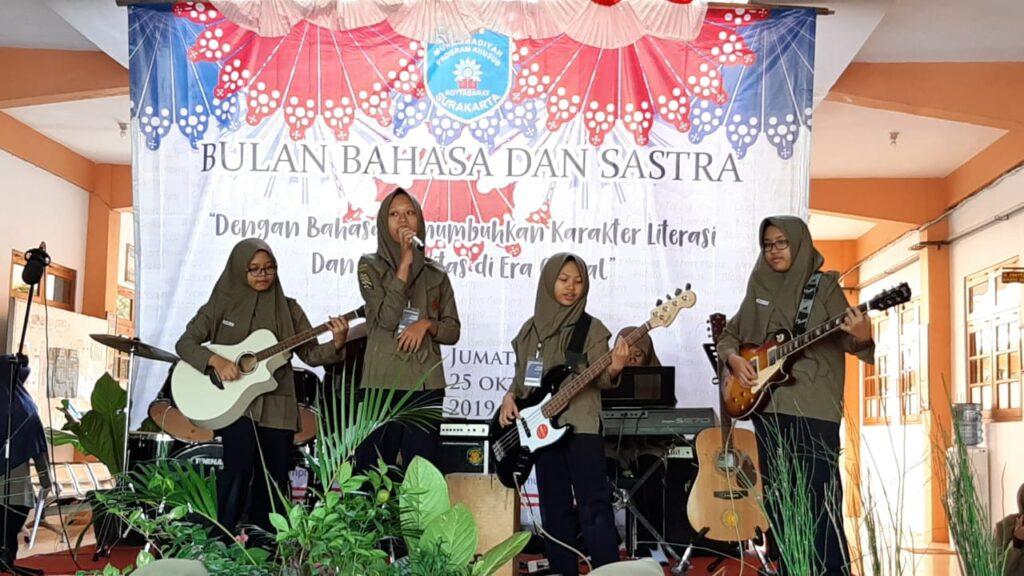SMP Muhammadiyah PK Solo Budayakan Literasi Digital pada Siswa