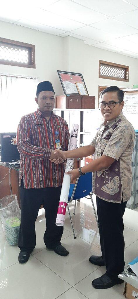 SD Muhammadiyah 1 Ketelan Solo Terima Hibah 30 Rapor Kesehatanku dari Dinkes Solo