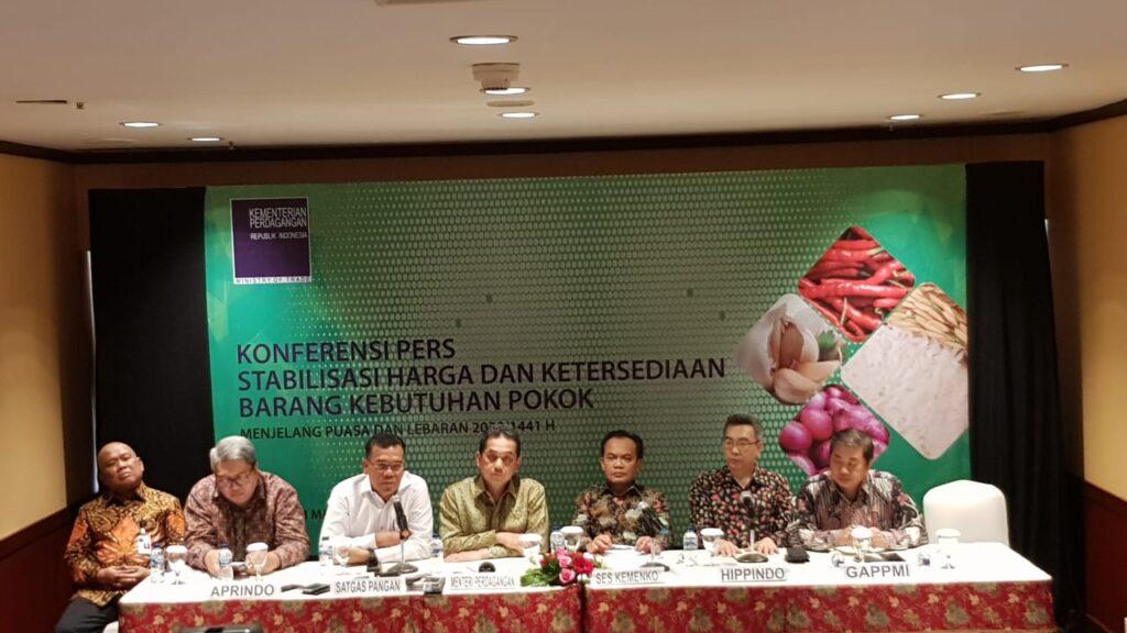 Pemerintah Jamin Ketersediaan Pasokan Bahan Pokok dan Industri Terkait Kondisi Masuknya Virus Corona ke Indonesia