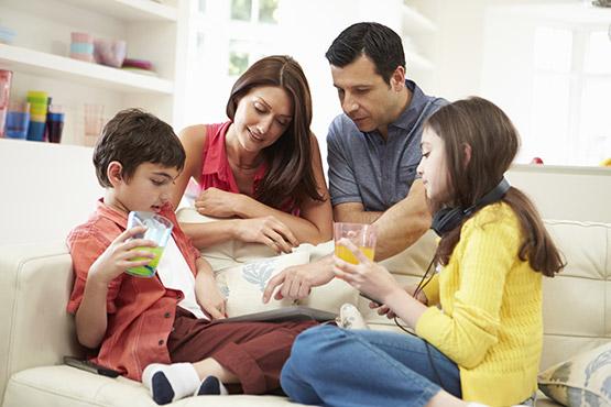 Tips Keluarga Tetap Happy di Rumah Selama Pandemi Corona
