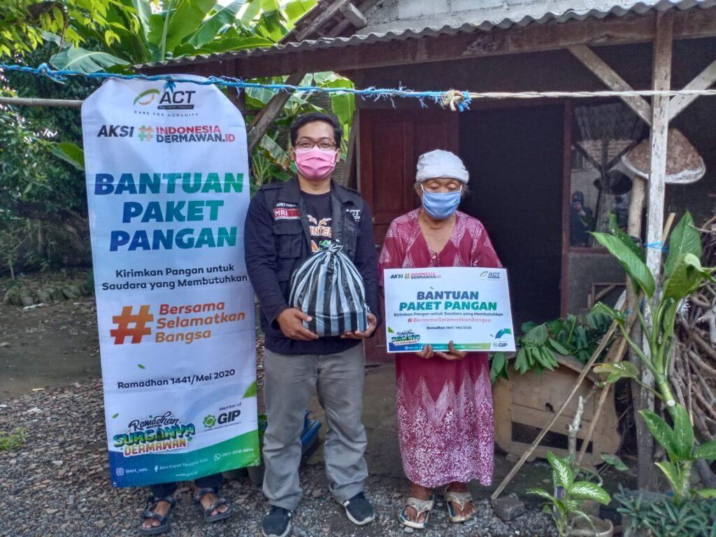 ACT Solo Bagikan Ribuan Paket Pangan di Bulan Ramadhan