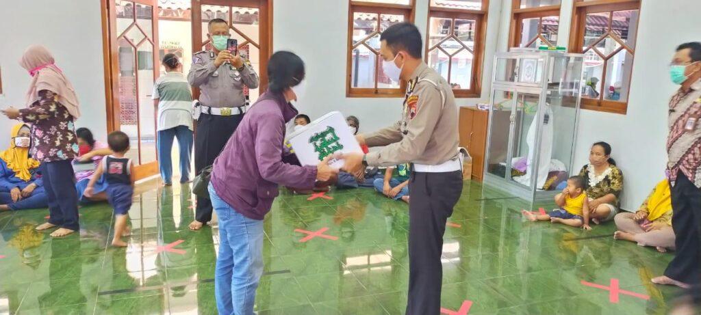 Samsat Surakarta Kembali Mengadakan Program Bina Lingkungan