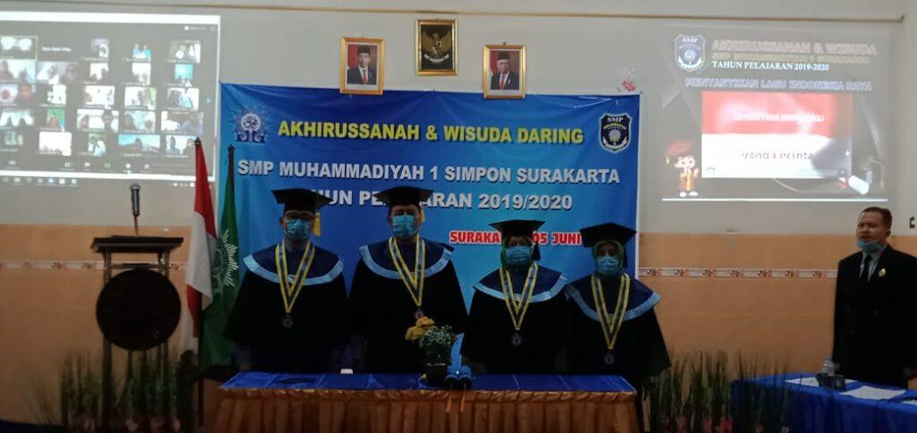 SMP Muhammadiyah 1 Simpon Solo Mewisuda 155 Siswa Melalui Daring