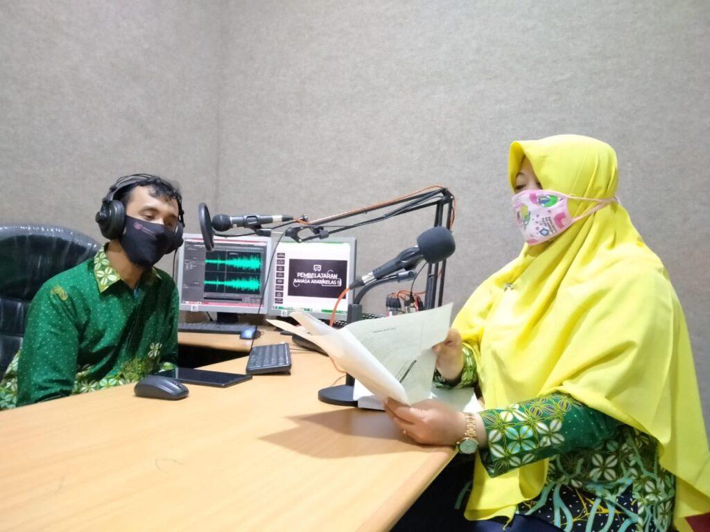 Pembelajaran Via Radio, Alternatif di Tengah Pandemi Covid-19