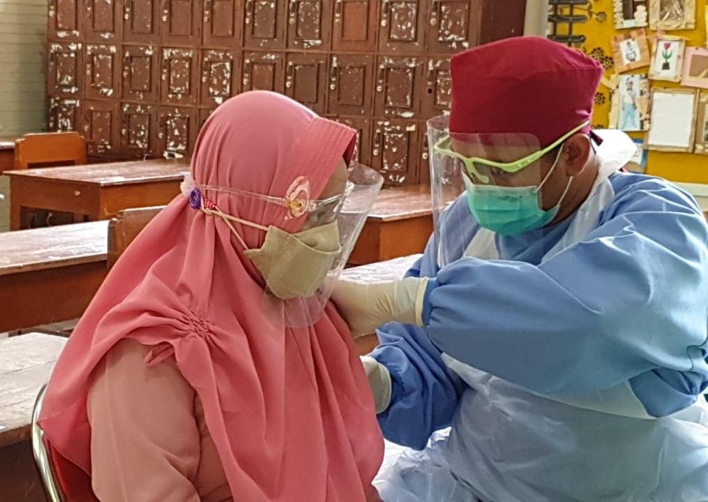 Ratusan Siswa SD Muhammadiyah 1 Ketelan Solo Jalani Imunisasi saat Pandemi