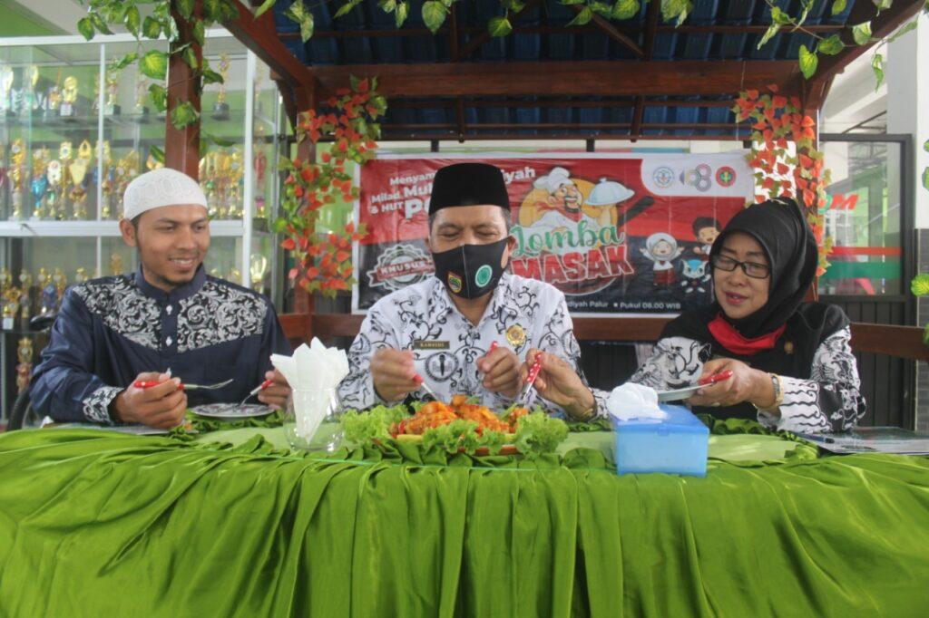 Serunya Lomba Memasak Hari Guru Nasional Oleh Guru-Guru SD Muhammadiyah Palur