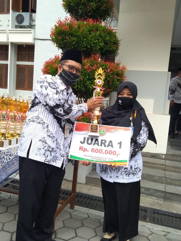 Nurul Fitria, Juarai Lomba Media Pembelajaran Tingkat Kota Solo
