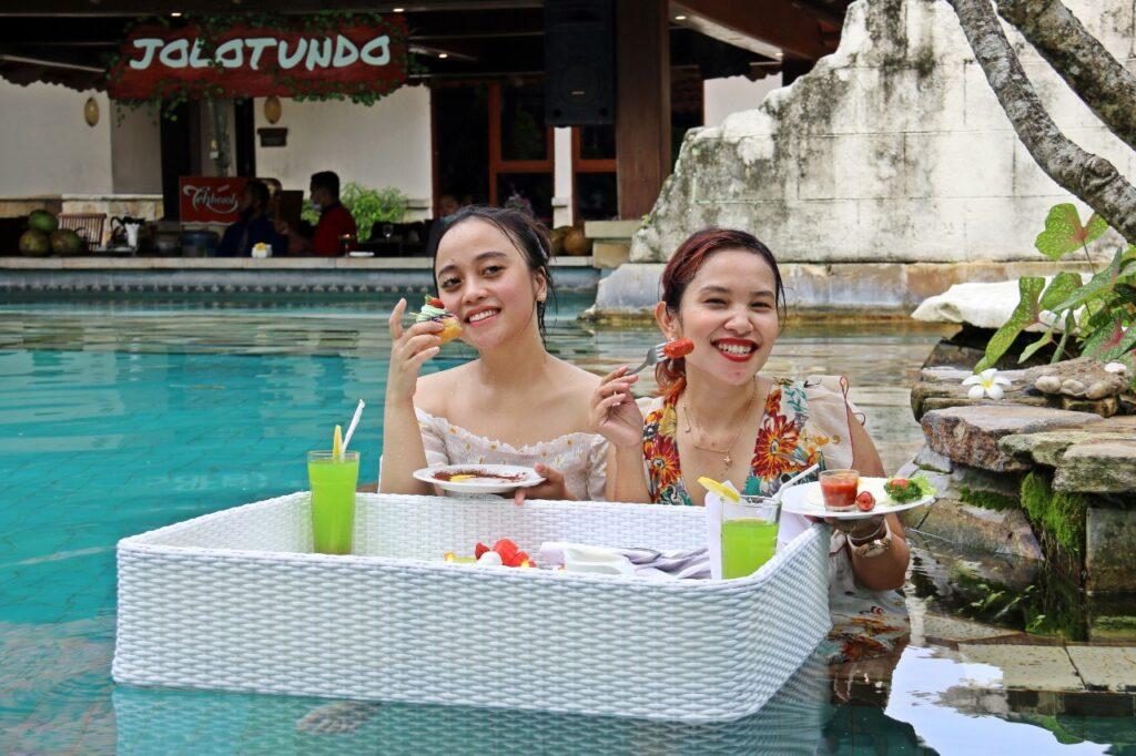 Lorin Solo Hotel Rilis Floating Breakfast