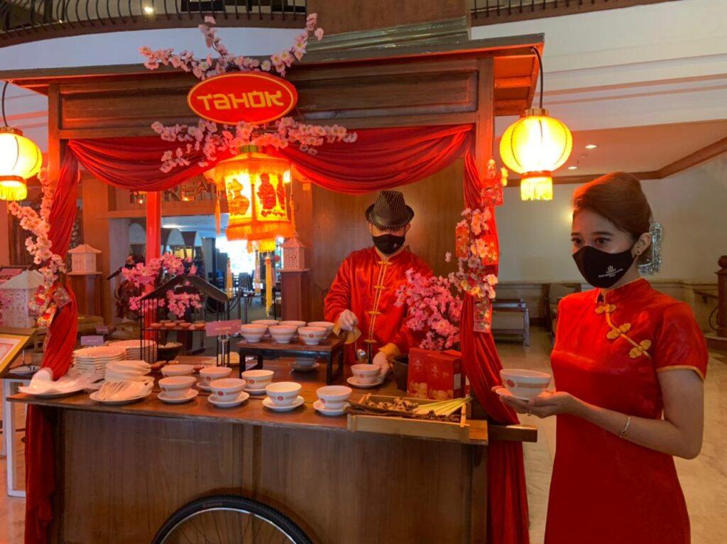 Ada Kuliner Tradisional Tahok di Perayaan Imlek 2021 The Sunan Hotel Solo