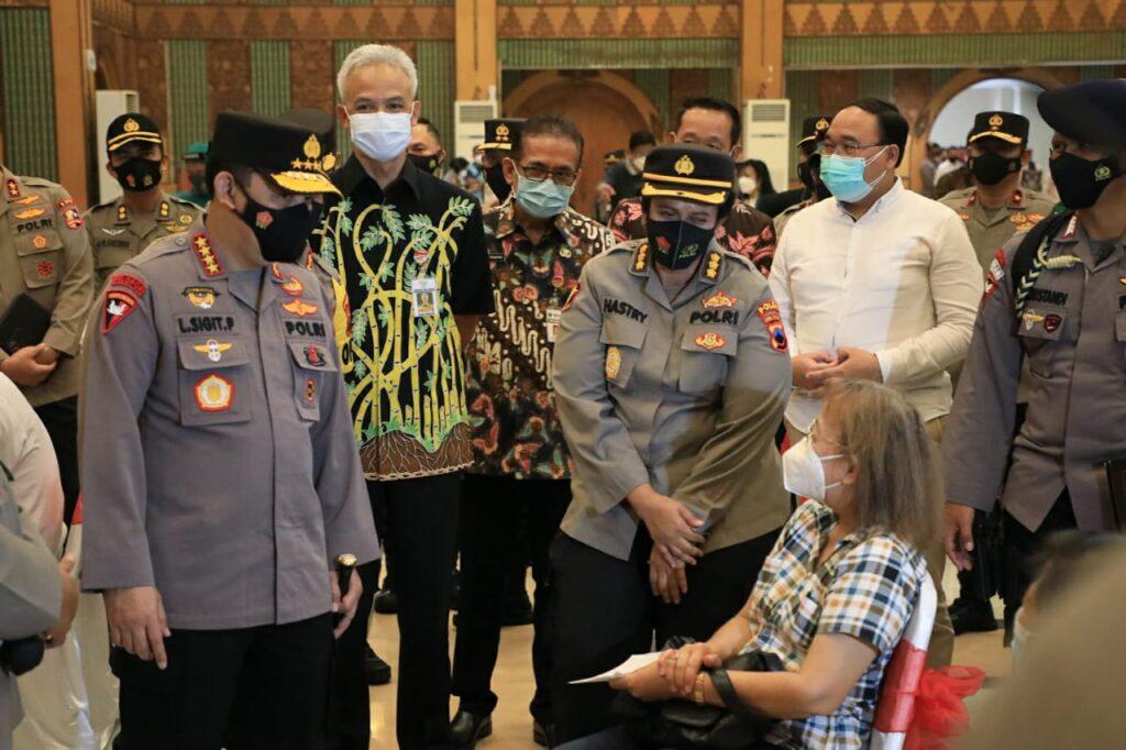 Kapolri Acungi Jempol Program Vaksinasi Jateng
