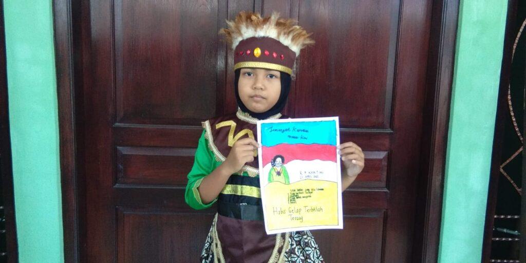 SD Muhi Peringati Hari Kartini Di Tengah Pandemi Via Poster dan Kenakan Baju Pakaian Adat