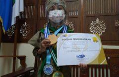 Khansa Alifa Filza Juarai Kompetisi Bahasa Inggris Di Tengah Pandemi